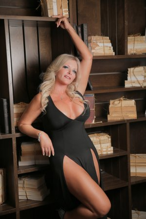 Helise happy ending massage and live escorts