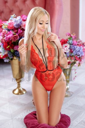 Lisbeth massage parlor & escort girls