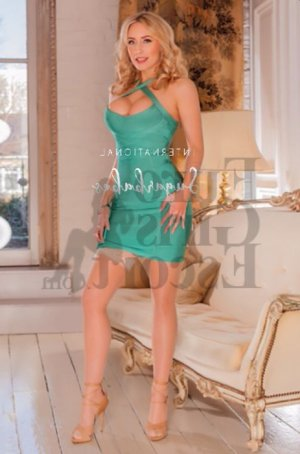 Maelyne live escort & erotic massage