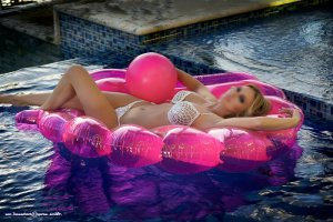 Edmonde happy ending massage & live escorts